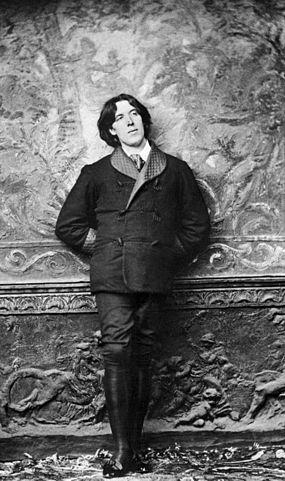 Oscar Wilde in 1882 by Napoleon Sarony